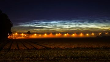 Lichtende nachtwolken bij Noordwijkerhout sur