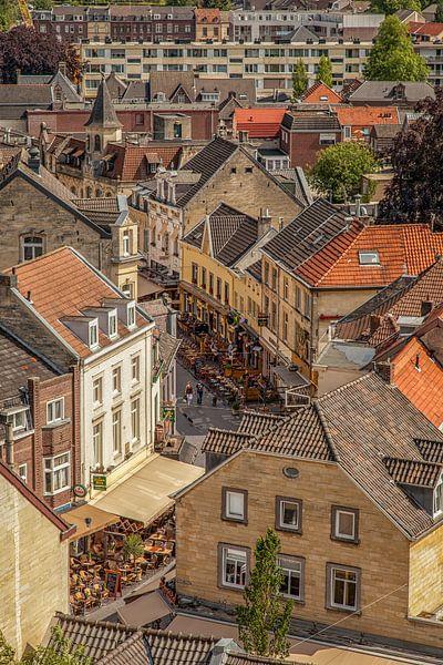 Binnenstad Valkenburg vanaf de Burcht sur John Kreukniet