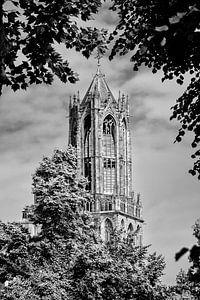 De Domtoren van Utrecht in zwart-wit (2)