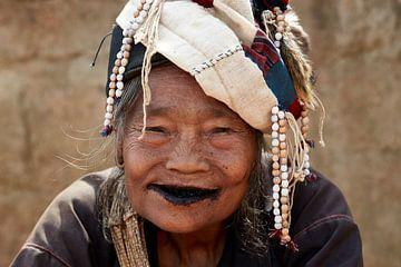 Vrouw in Myanmar. van Jeroen Florijn