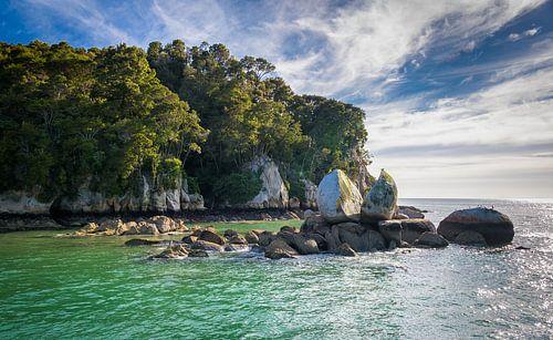 Gespleten rots, Split Apple Rock, Nieuw Zeeland