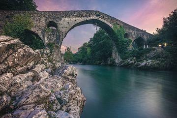 Asturien Cangas de Onis Römische Brücke von Jean Claude Castor
