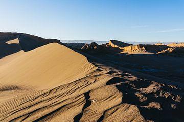 Zandduin in de zonsondergang van Shanti Hesse