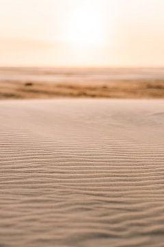 Sonnenuntergang am Strand von Midsland am Meer auf der Watteninsel Terschelling von Manon Galama