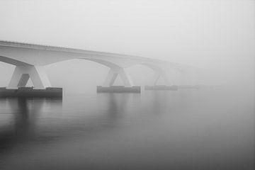 Eine Brücke zum Himmel von Julien Beyrath