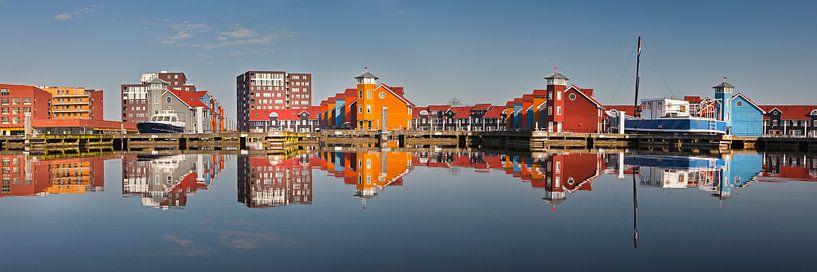 Spiegelungen der Häuser im Reitdiephaven bei Groningen von Frans Lemmens