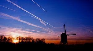 Zonsondergang met molen van
