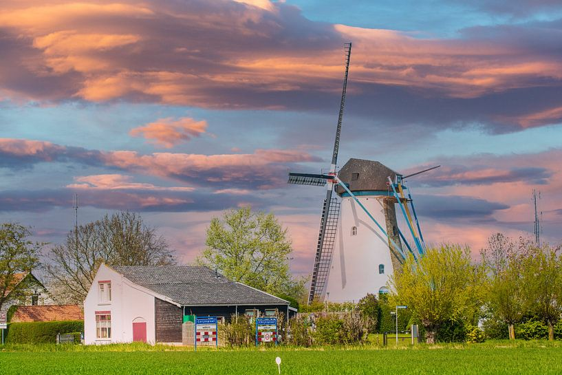 Windmolen in Avondrood. van Brian Morgan