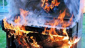Brandende piano van