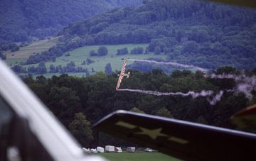Segelflugzeug im tiefen Messerflug van Joachim Serger
