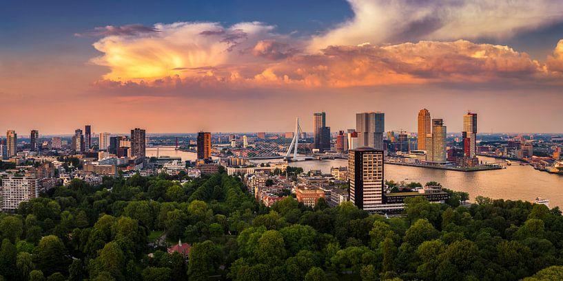 Rotterdam Skyline Panorama vanaf Euromast 2:1 van Vincent Fennis