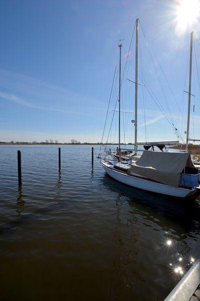 Segelschiffe im Hafen Puddemin auf Rügen von GH Foto & Artdesign
