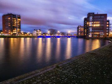 Hemelwater Wateringse Veld Den Haag in blauwe uurtje van Esther van Lottum-Heringa