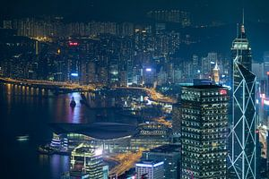 Hong Kong, china bij nacht (panorama) van Michael Bollen