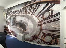 Kundenfoto: Der Weg nach unten - Treppenhaus von Roman Robroek, auf fototapete
