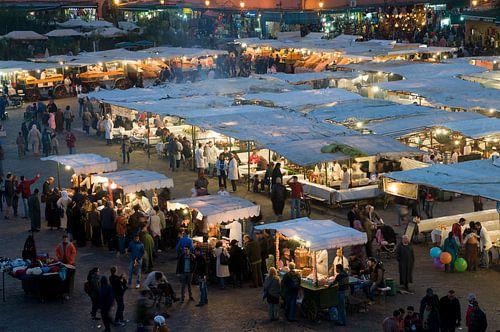 Sfeervolle markt Marokko Djeema-el-fna van Keesnan Dogger Fotografie