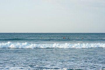 Surfers 2 van Andrew Chang
