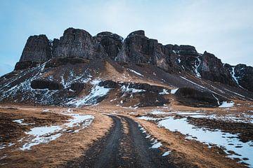 Bergweg in IJsland van Abby's Voyage