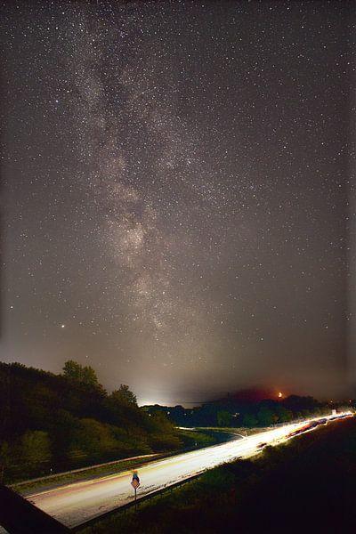 Milchstraße mit Mond von Dorfworker