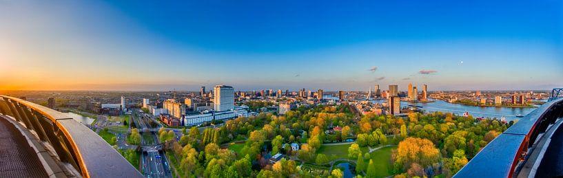 Panorama Rotterdam vanaf de Euromast.  van Evert Buitendijk