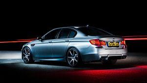 Mat grijs BMW M5 30 jahre editon