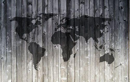 Wereldkaart op Houten planken - Love the world!