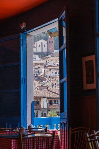 Cuzco, Peru, vanuit een restaurant kijk op de stad