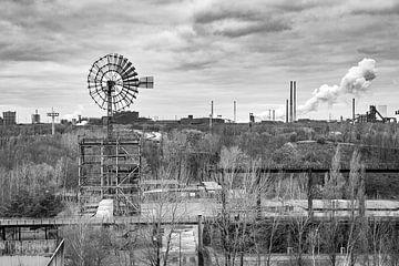 Windmolen landschapspark Duisburg-Nord van Evert Jan Luchies