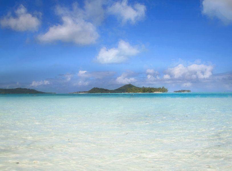 Bora Bora islets van Laura Sanchez