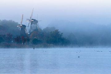 Molens in de mist 2 von Peter Dane
