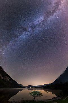 Melkweg over de Bohinjesee van Denis Feiner