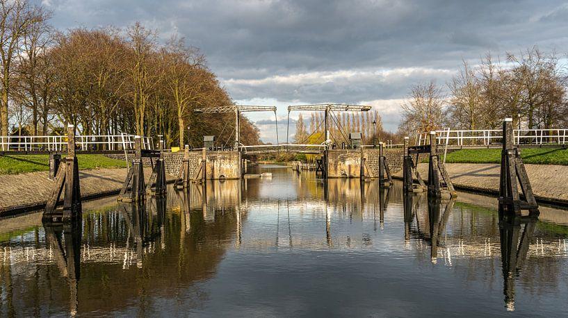 Der Willemsvaart ist ein Kanal in der niederländischen Stadt Zwolle, der vom Stadtzentrum von Zwolle von Jaap van den Berg