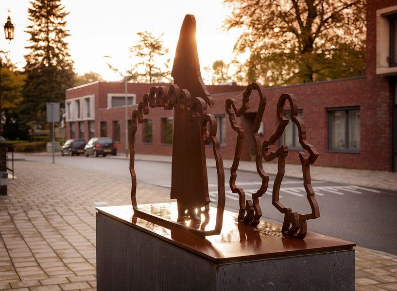 Monument in Simpelveld ter ere van De Zusters van Clara Fey van John Kreukniet