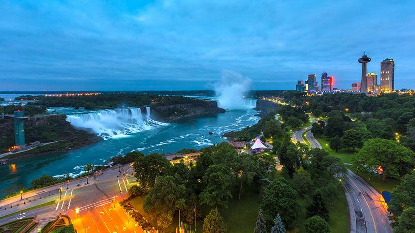 Niagarafälle Panorama von Tom Uhlenberg