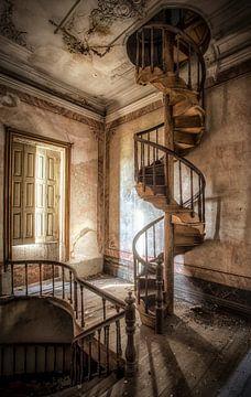 Escalier en colimaçon en bois sur Kelly van den Brande
