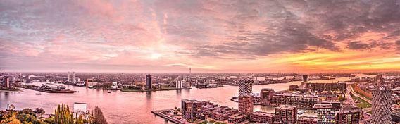 Panorama Rotterdam au coucher du soleil sur Frans Blok