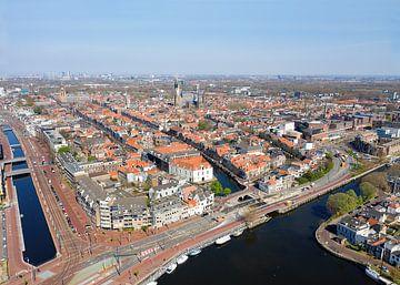 Luchtfoto binnenstad Delft van Willem de Bie