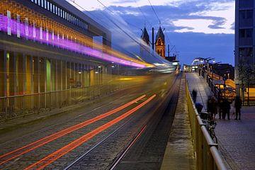 Lichtspuren in Freiburg von Patrick Lohmüller
