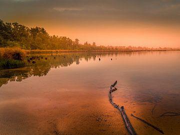 Sunrise at the lake van Wim van D