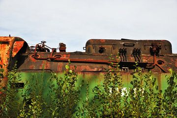 Oude roestige trein van Jan Brons