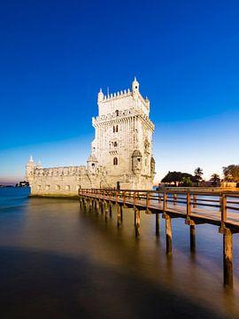 Torre de Belém à Lisbonne le soir sur Werner Dieterich