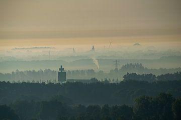 Utrecht Süd und Houten bei Sonnenaufgang von Bart van Lier