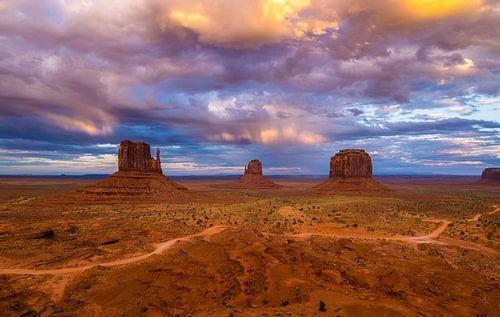 Monument Valley , Utah amerika van Ton Kool
