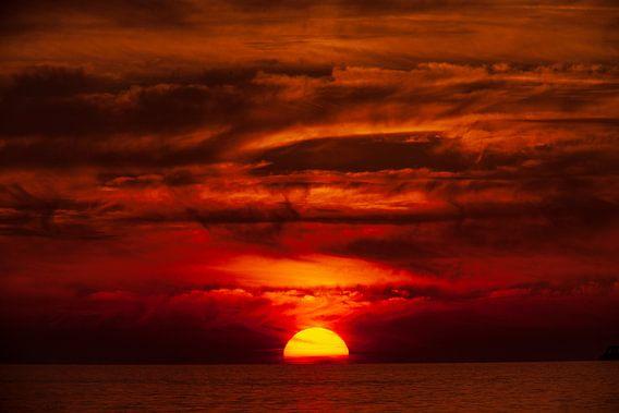 Sonnenuntergang, Wolken, Meer, feuerroter Himmel