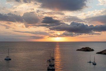 Zonsondergang Cala d'Hort Ibiza van Danielle Bosschaart