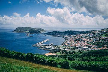 Überblick über Horta, die Hauptstadt von Faial von Isai Meekers