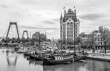 Le vieux port avec la Maison Blanche à Rotterdam sur