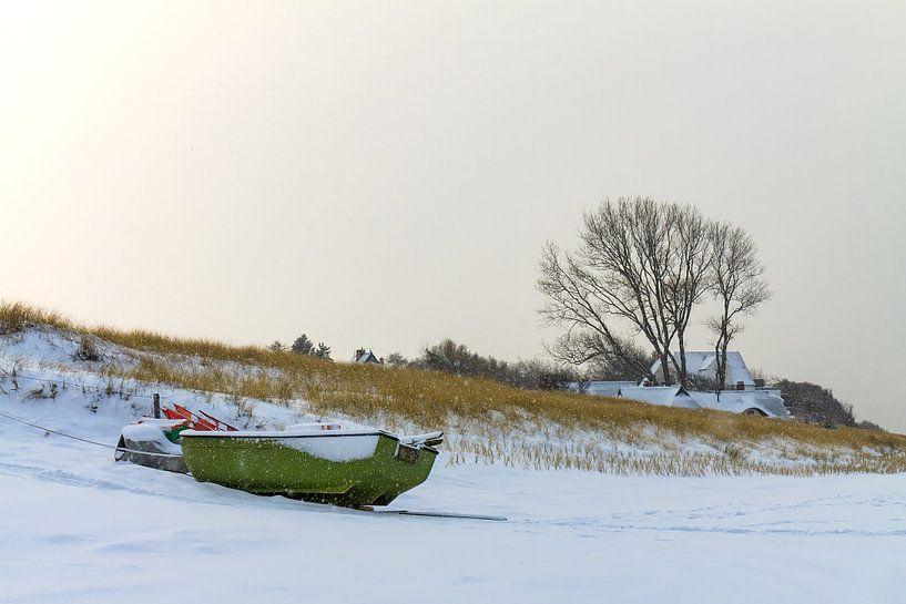 Winter on shore of the Baltic Sea sur Rico Ködder