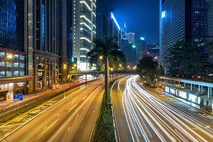 De straten van Hong Kong in de nacht