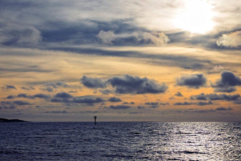Zonsondergang Noordzee III van Miranda van Hulst